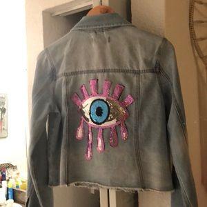 Jackets & Blazers - Cute jean jacket .